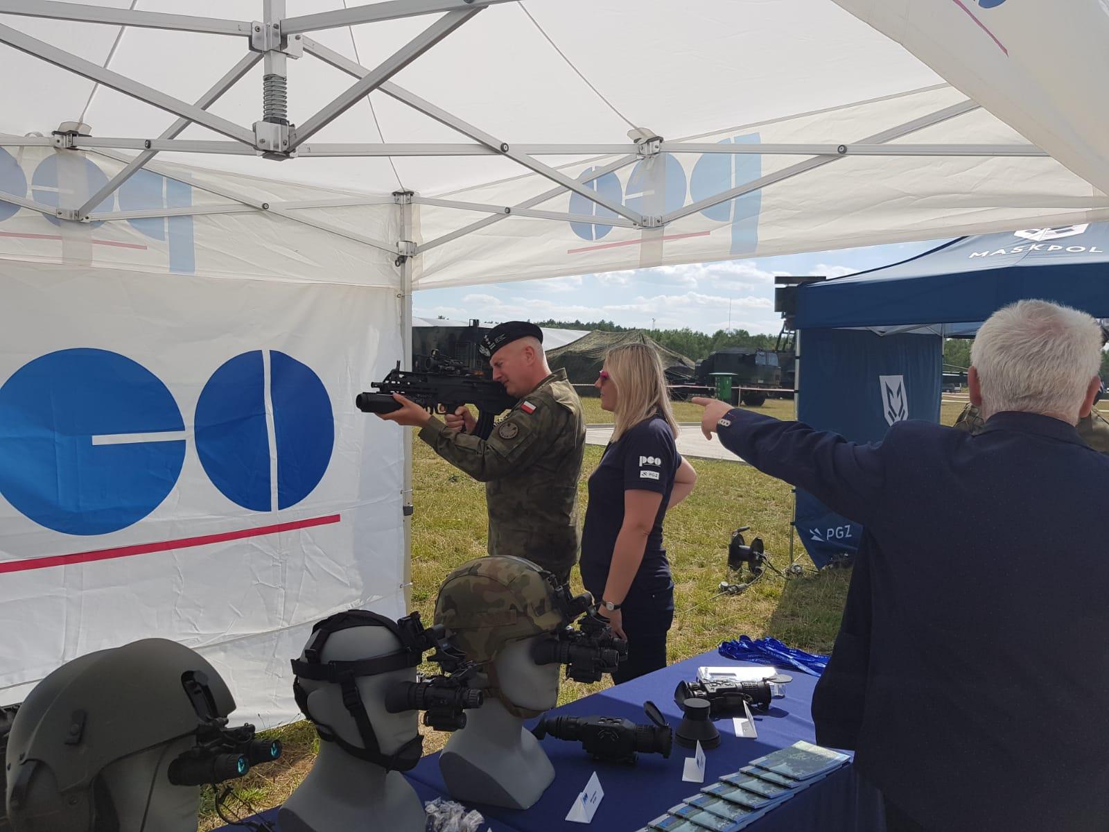 Prezentacja wyrobów PCO S.A. podczas ćwiczeń Dragon-19