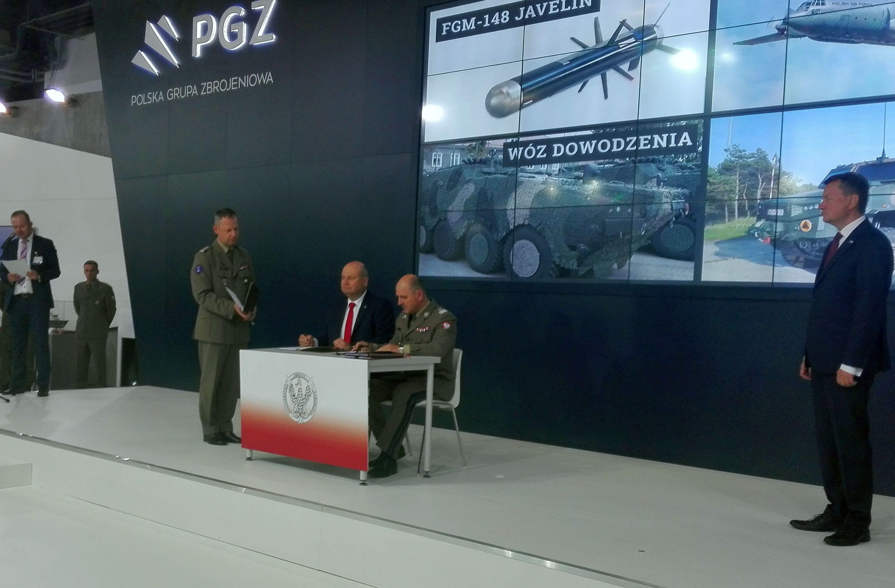 Podpisanie umów zInspektoratem Uzbrojenia nadostawy sprzętu optoelektronicznego produkcji PCO S.A.